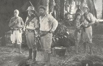 Photo of the 1928 Lost World film cast