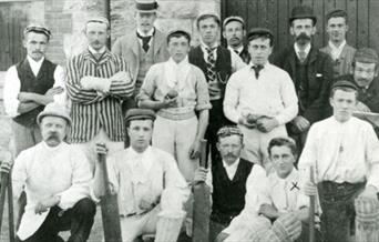 Photograph of Arthur Conan Doyle and members of a cricket team