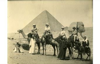 Photograph of Jean, Denis, Adrian and Billie Conan Doyle in Egypt