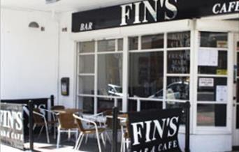 Fins Cafe Bar