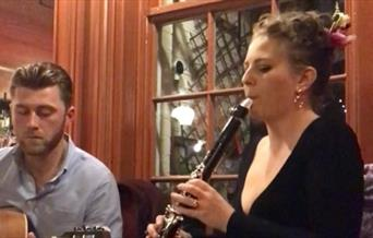 Live Swing and Gypsy Jazz by Hodge Club de Pompe