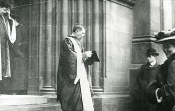 Photo of Arthur Conan Doyle leaving St. Giles Cathedral