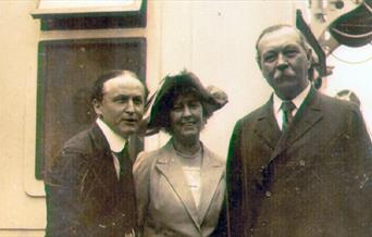 Photograph of Conan Doyle with Houdini, 23 June 1923
